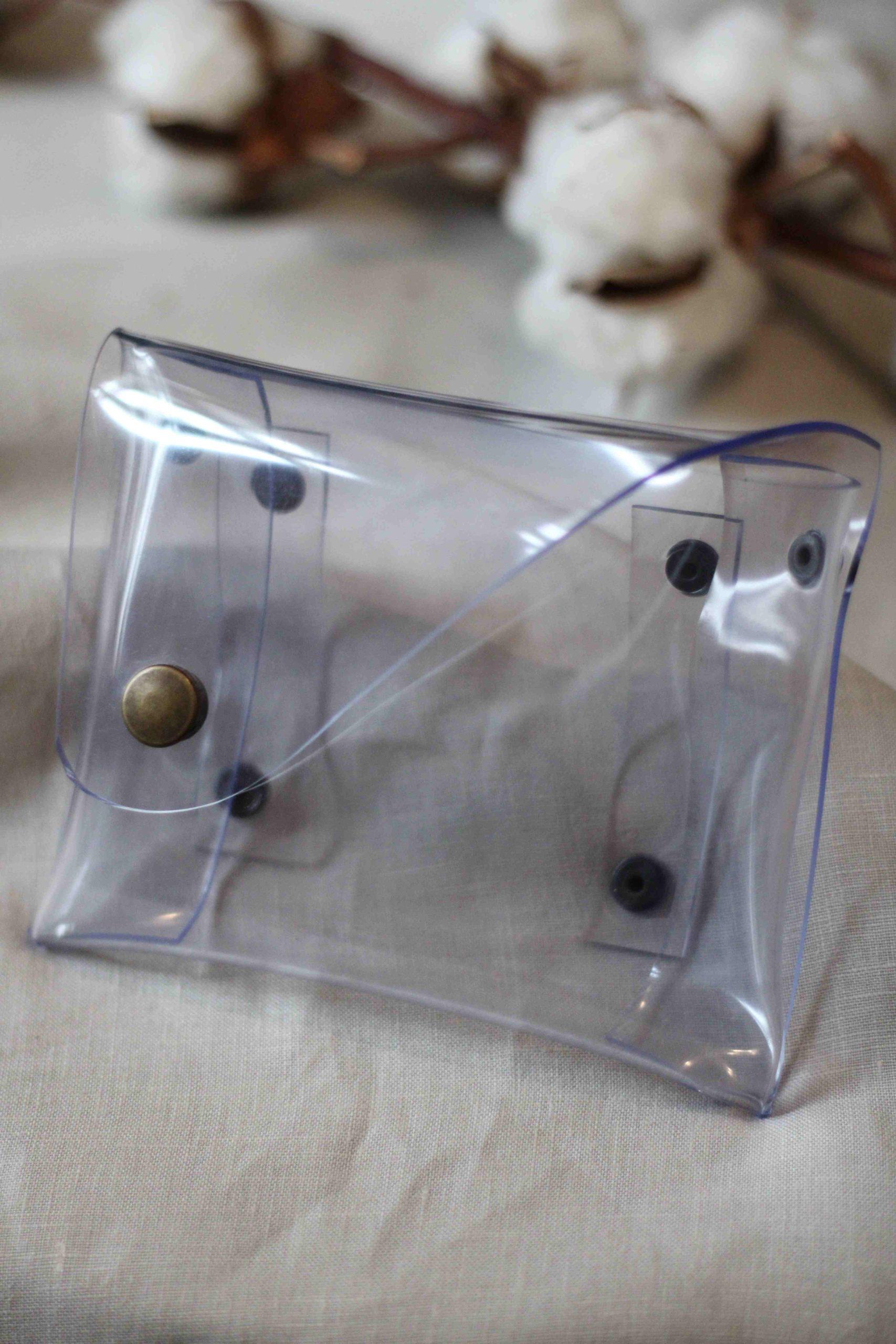 Sac ceinture PVC upcyclé transparent fabriqué à Lyon